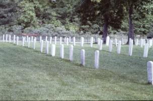 PICT0002.JPG grave stones