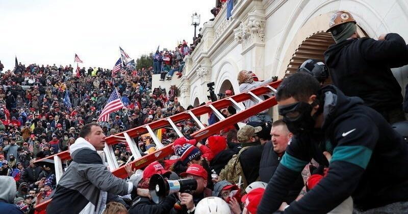 mob-attack-capitol_